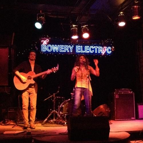 Lachi and guitarist Dan Wilga